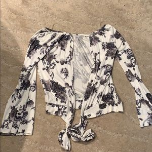 Tops - Black and white floral open back top